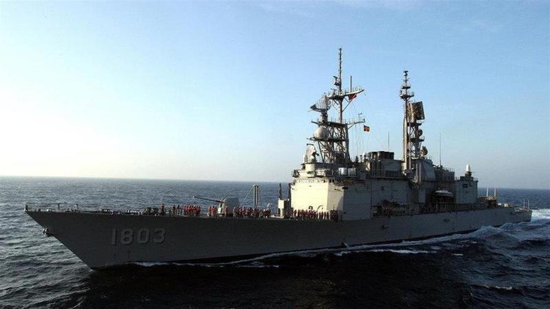 去年3月基隆號驅逐艦爆出男、女官兵於艦上激戰,遭另名男士官偷拍,軍方已將3人都汰除。圖為左營號驅逐艦,非當事艦艇。(翻攝畫面)