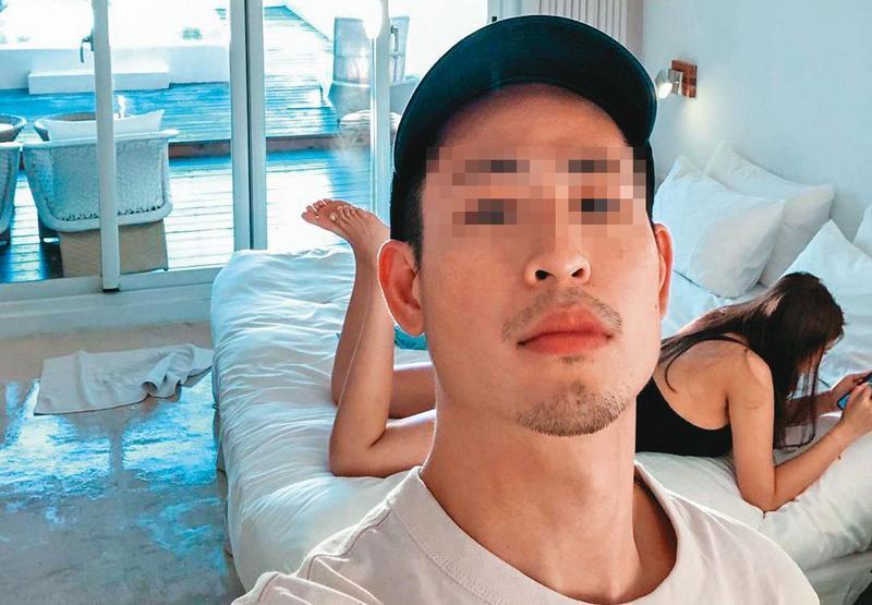 張男過去不喜歡在社交媒體張貼女友的照片,但最近卻頻頻和豪乳網紅曬恩愛,每篇發文還會標記豪乳網紅的ID,蹭熱度意味濃厚。(翻攝自IG)