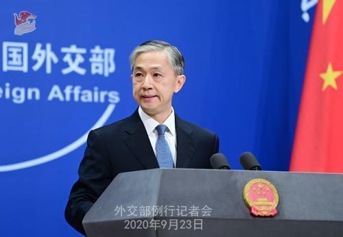 中國外交部發言人汪文斌反擊美國《防止強迫維吾爾勞動法》通過,強調「強迫勞動」的問題,完全是美、西方一些機構和人員憑空捏造的謊言。(翻攝中國外交部)