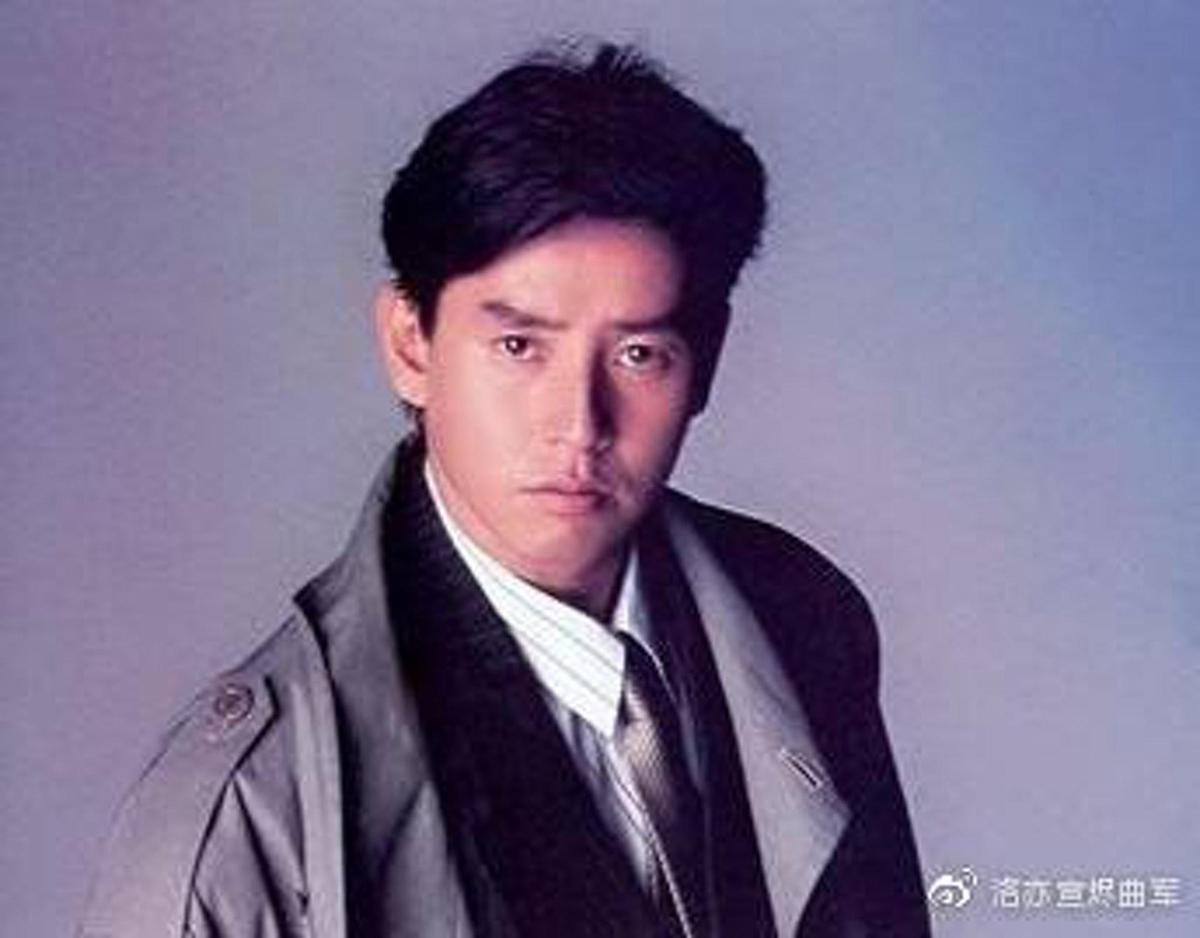 港星譚詠麟曾經叱吒華人樂壇,是許多少女心中的男神。(翻攝自微博)