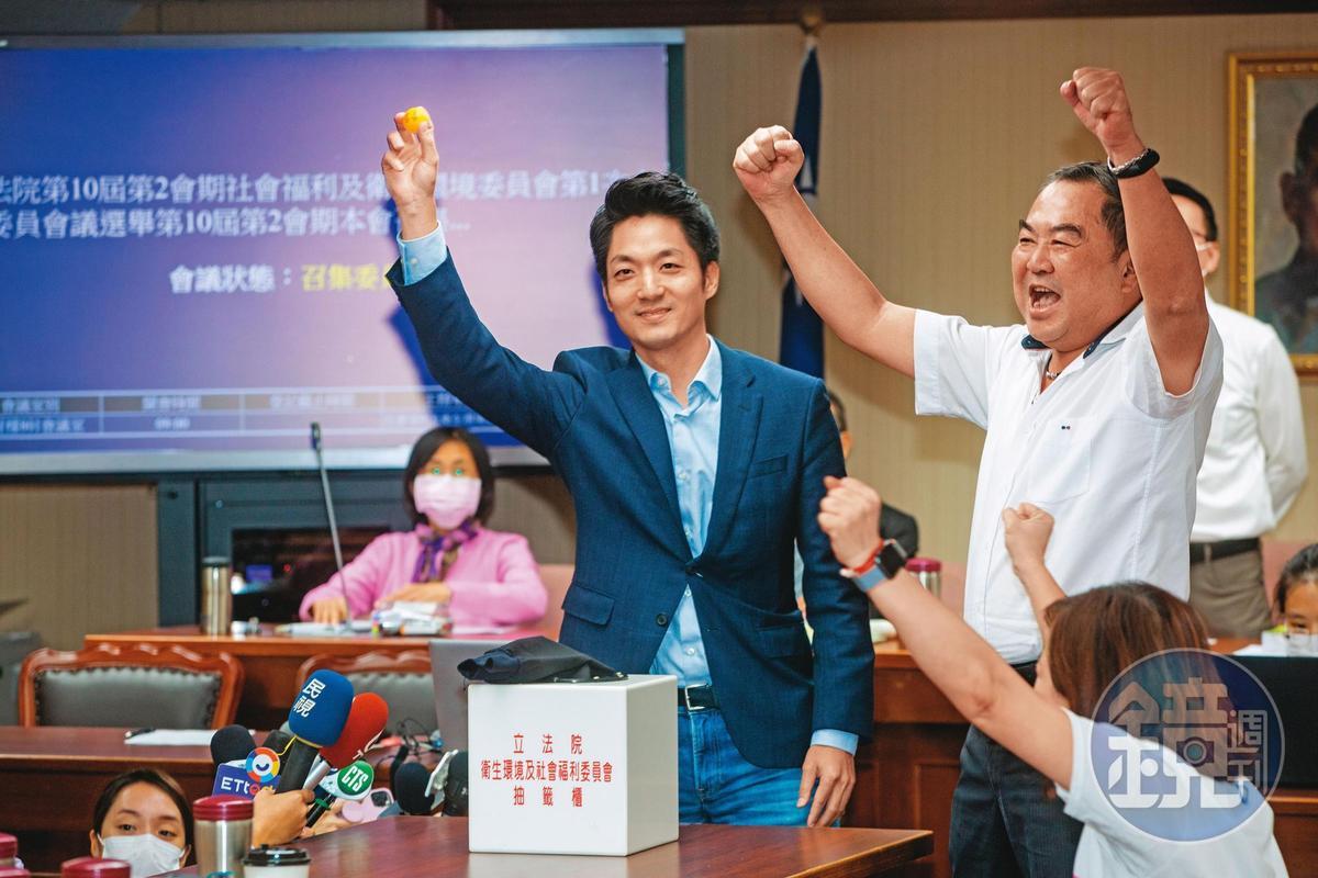 國民黨立委蔣萬安被視為藍營出戰台北市長目前最強人選,甫當選召委的他,將與潛在對手陳時中在立法院針對美豬議題過招。