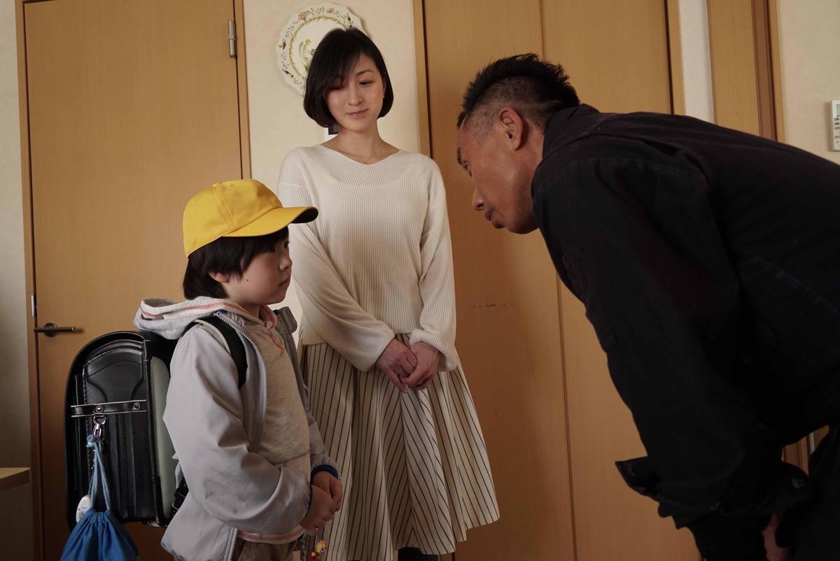 廣末涼子顏值「回春」,片中長渕剛更想為廣末涼子母子親手打造房子。(天馬行空)