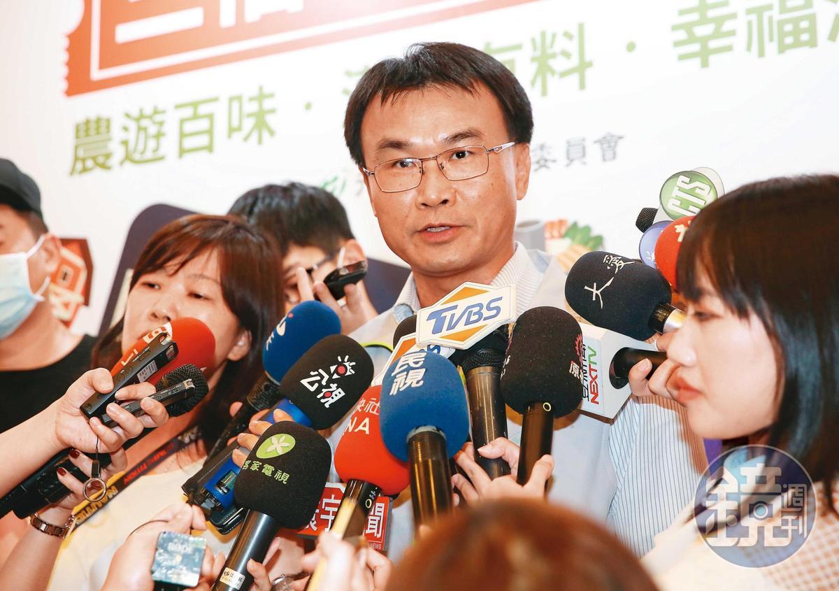 農地收歸中央管制,引發太陽能業者砲轟農委會主委陳吉仲(圖)「完全就是本位主義,簡直不食人間煙火。」