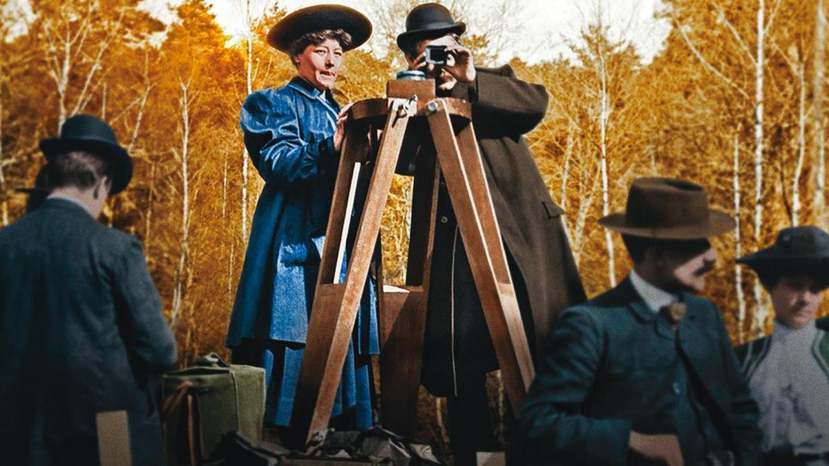 愛麗絲吉(左)是世界首位女導演兼製片,生平拍攝過約千部長、短片。(翻攝自coolconnection.com)