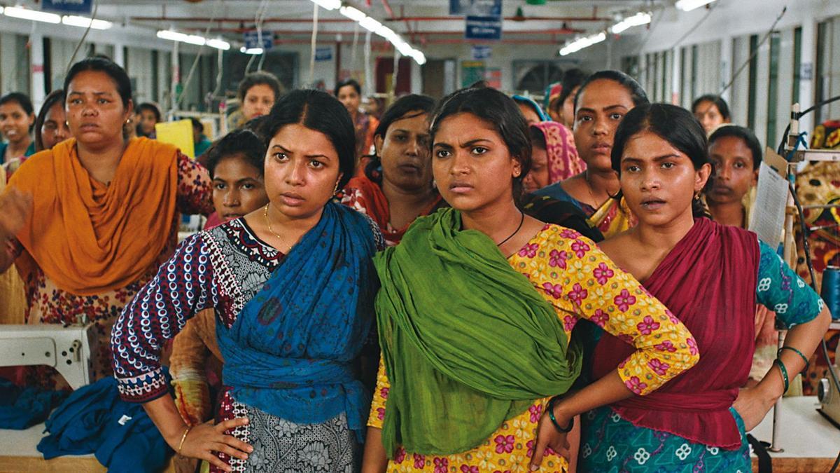 女性影展閉幕片《孟加拉製造》揭露當地成衣廠長期壓榨女作業員、後者群起反抗的過程。(女性影展提供)