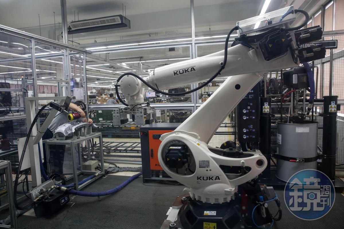 Gogoro廠以航太工業用膠製程,能充分掌握實際用膠狀況。