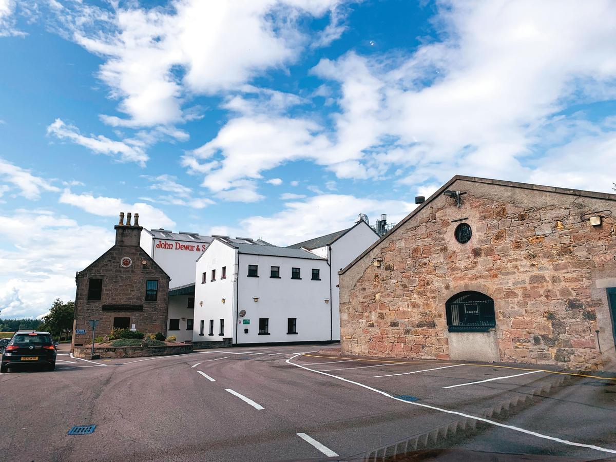 有200年歷史的皇家柏克萊酒廠,廠區不大,因不對外開放,連遊客中心都沒有。