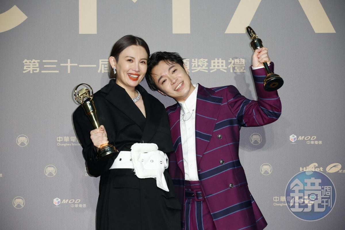 吳青峰登歌王,第一輪即勝出,魏如萱的演唱實力獲肯定,如願登歌后。