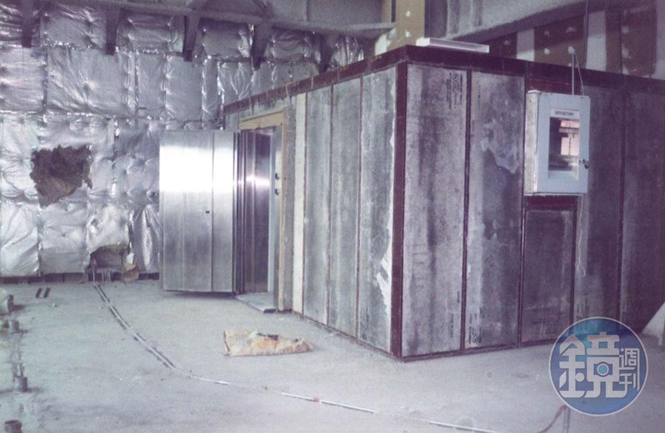 發億除了賣金庫,也會幫客人客製化打造金庫室。