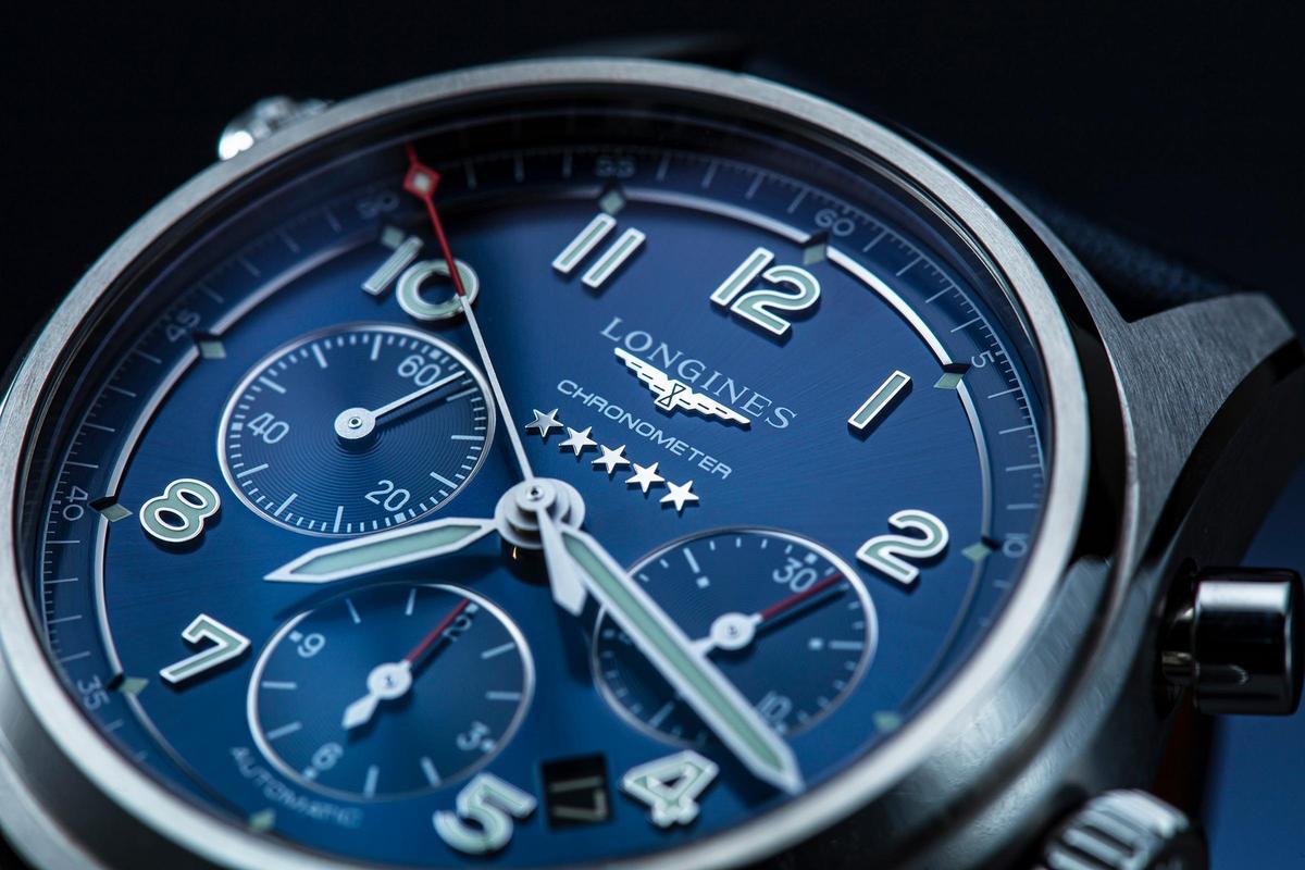 Spirit先行者系列汲取許多飛行錶的經典元素,而面盤上則有象徵最高品質的五星圖案。
