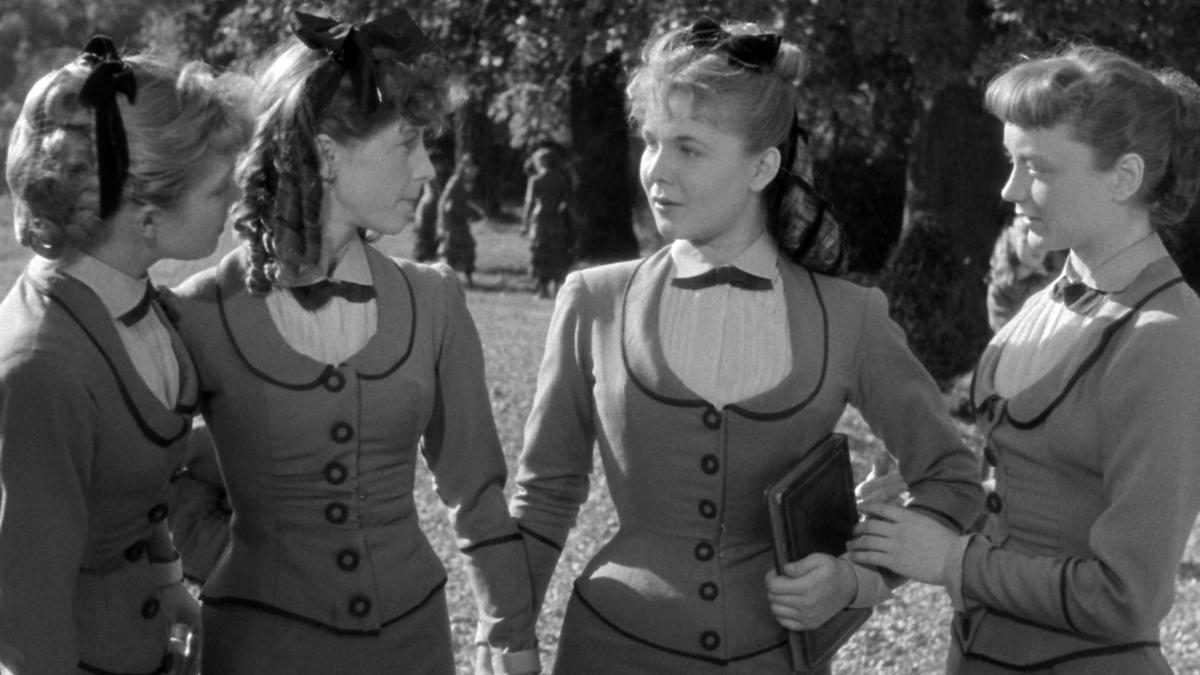 《奧莉維亞》以19世紀末的巴黎近郊女子寄宿學校為背景,因內容具爭議性,近年才以數位修復版本重返大銀幕。(女影提供)