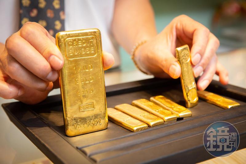黃金是最佳避險工具,經濟越是不穩定,金價漲得越凶。