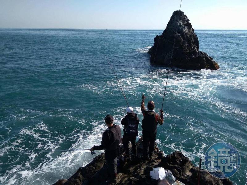 目前18座島礁進行總量管制,上島須申請磯釣證。