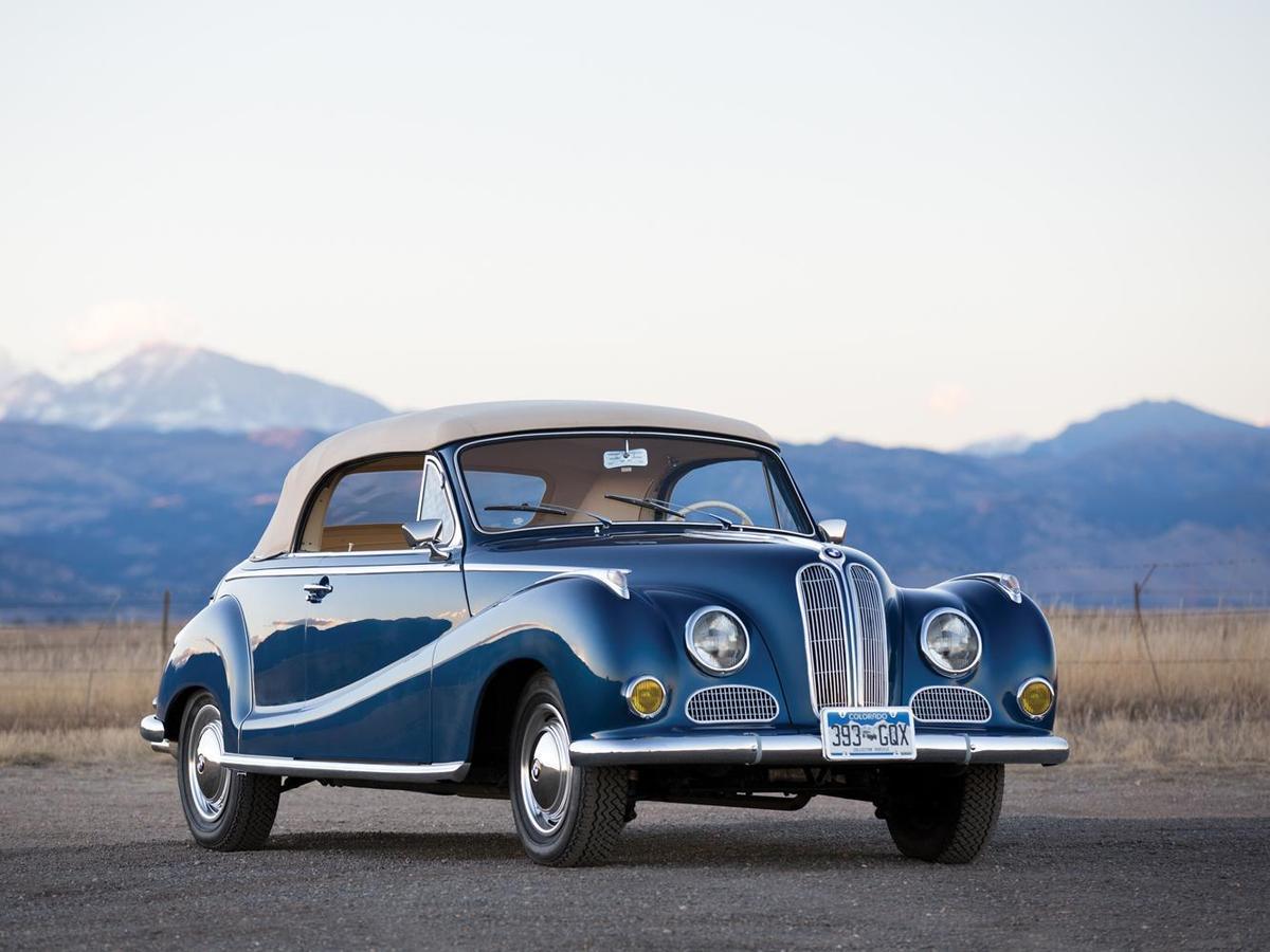 BMW 502不僅比同時代的競爭對手Mercedes-Benz 220a(W180 I)快,同時也是當時德國最快的量產轎車。