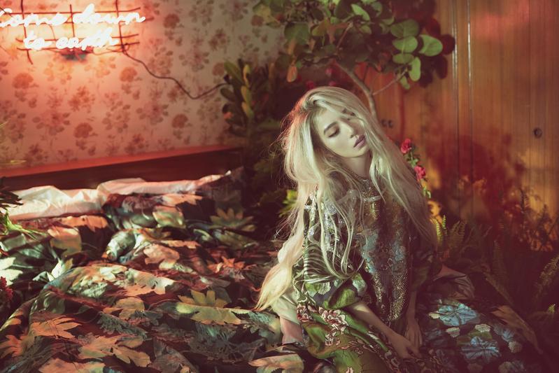 田馥甄以白髮入鏡。(何樂音樂提供)