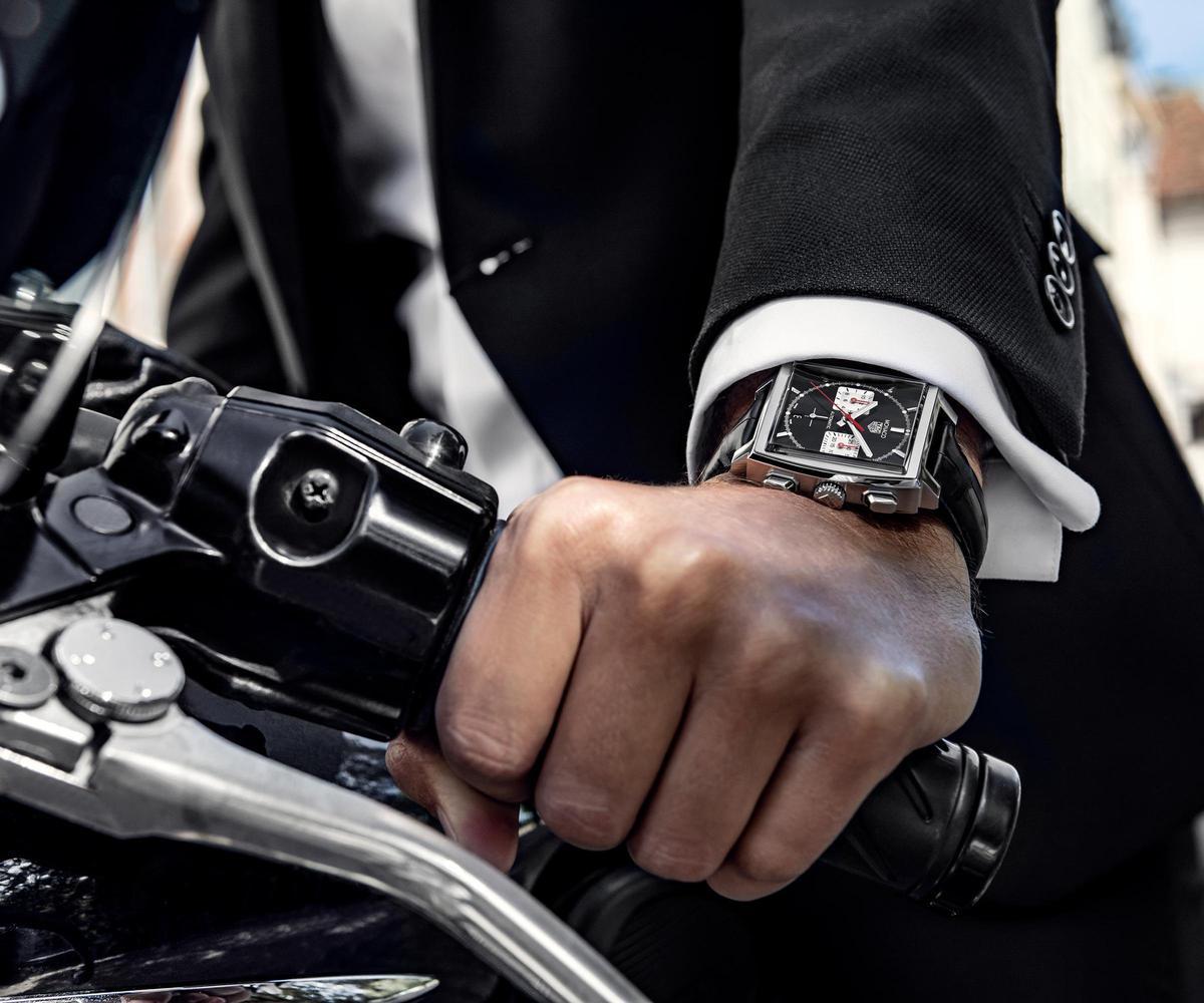 Monaco H02自動計時腕錶新的黑面款式,定價NT$208,600。