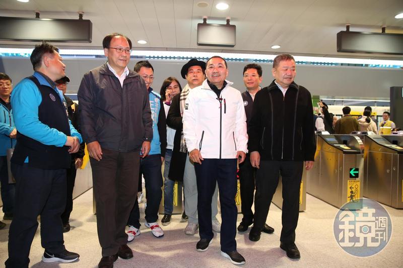 捷運環狀線目前由台北捷運公司營運,新北市長侯友宜頻頻喊話,希望收回環狀線經營權,圖為今年初通車畫面。(本刊資料照)