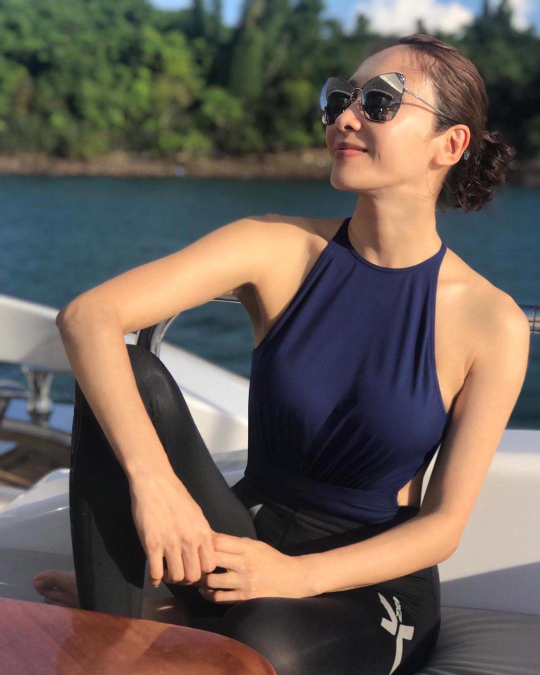 49歲香港女星黎姿外型依舊亮麗。(翻攝自黎姿 Instagram)