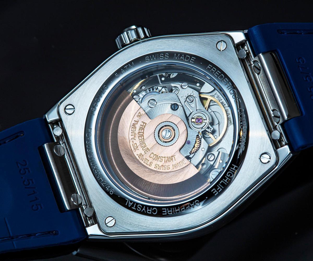除了部分裝載自製機芯之外,Highlife雋雅系列更加入錶帶快拆裝置,徒手便能輕鬆更換錶帶。