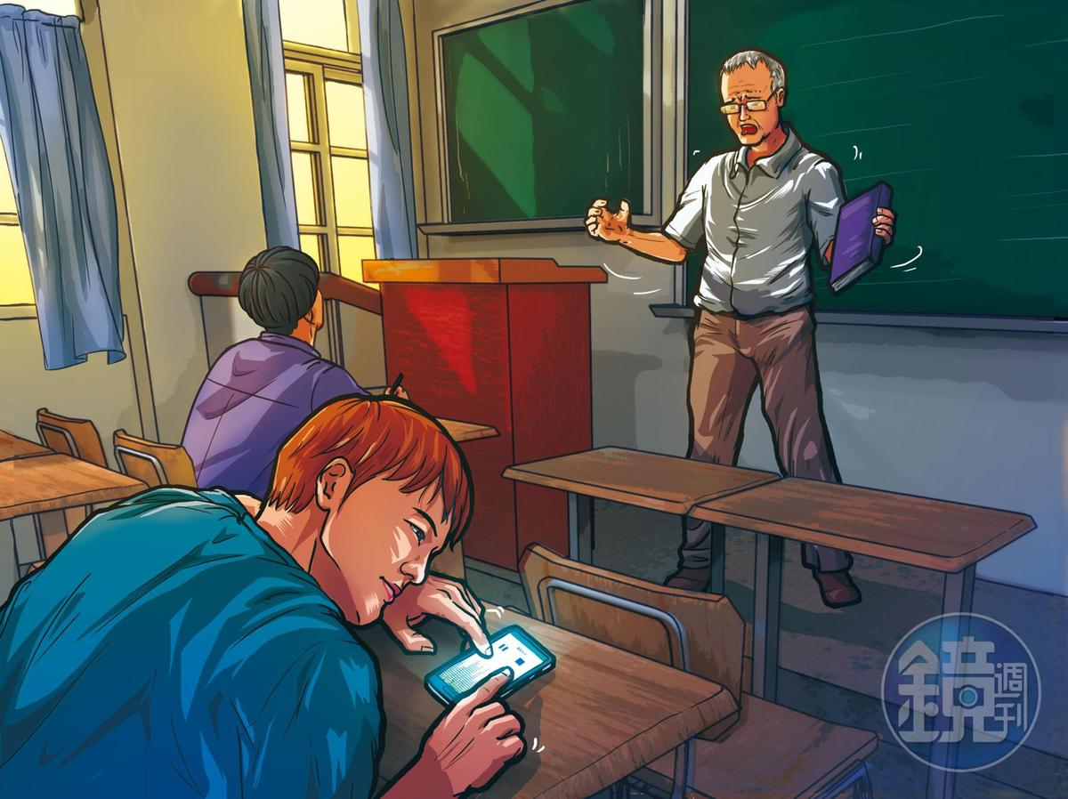 L姓學生上課趴在桌上,講師關維侊告訴他:「爾後你可以不來,我還是會讓你過。」遭該生偷錄音。