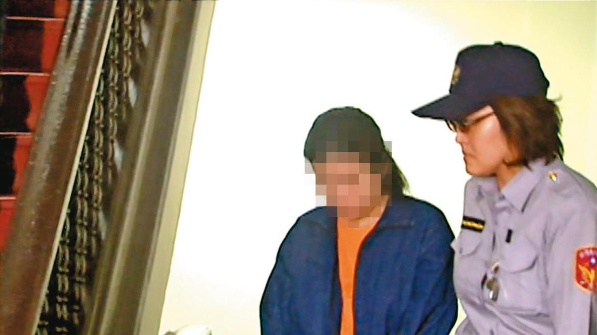 教唆情夫殺妻的蘇女(左),因轉為汙點證人,獲輕判10年徒刑定讞。(東森新聞提供)