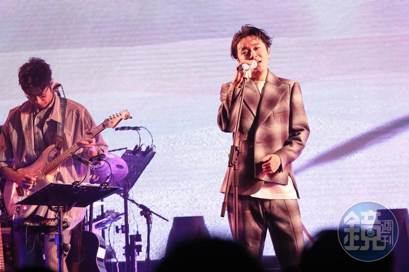 青峰今天在Legecy舉行第2場「16葉演唱會」。