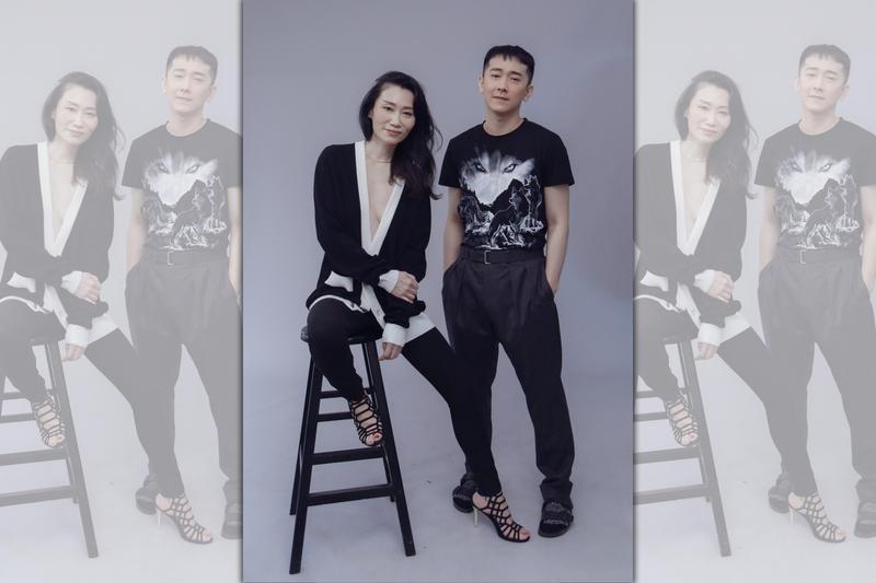 Dennis Fei舉辦「無常」時尚攝影展,邀來資深媒體人楊起鳳(左)與視帝施名帥(右)擔任模特兒。(Dennis Fei提供)