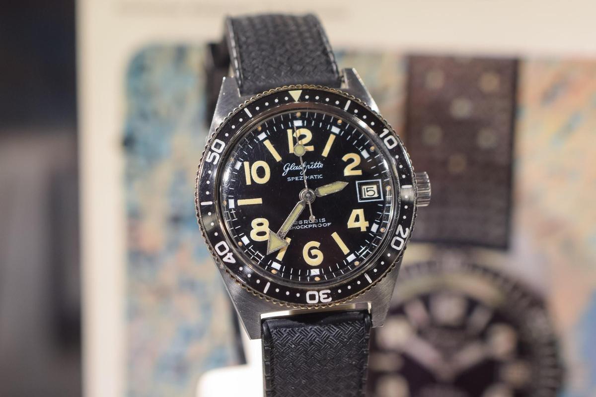 格拉蘇蒂原創SeaQ潛水錶,以1969年歷史作品「Spezialist Type RP TS 200」潛水錶為原型。此錶當年也是東德特種部隊的使用錶款。