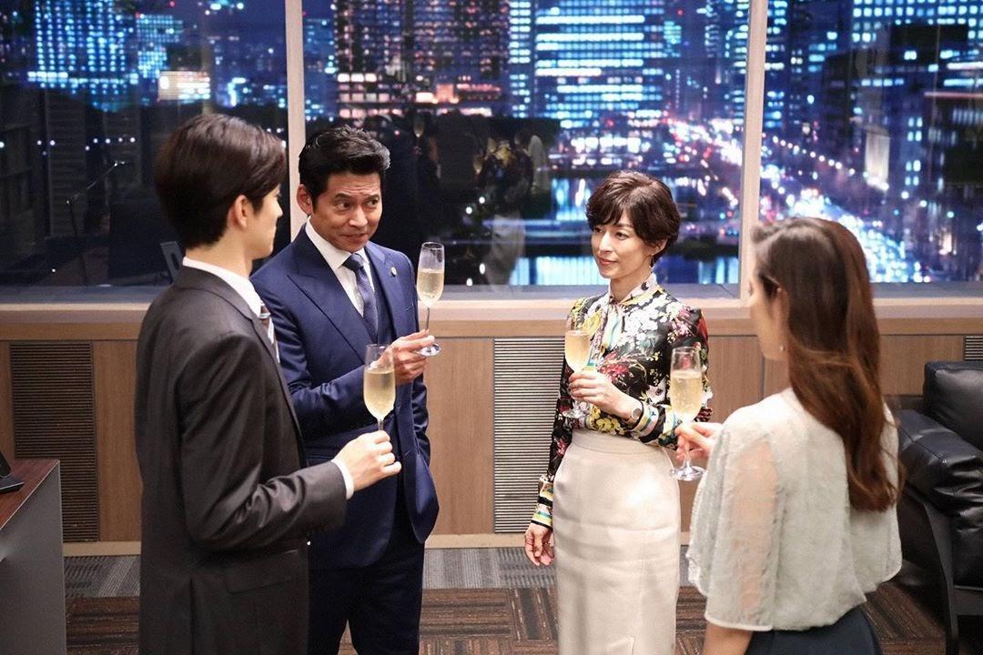 鈴木保奈美和織田裕二在《SUITS無照律師》續前緣,令《東京愛情故事》劇迷相當興奮。(翻攝自drama_suits IG)