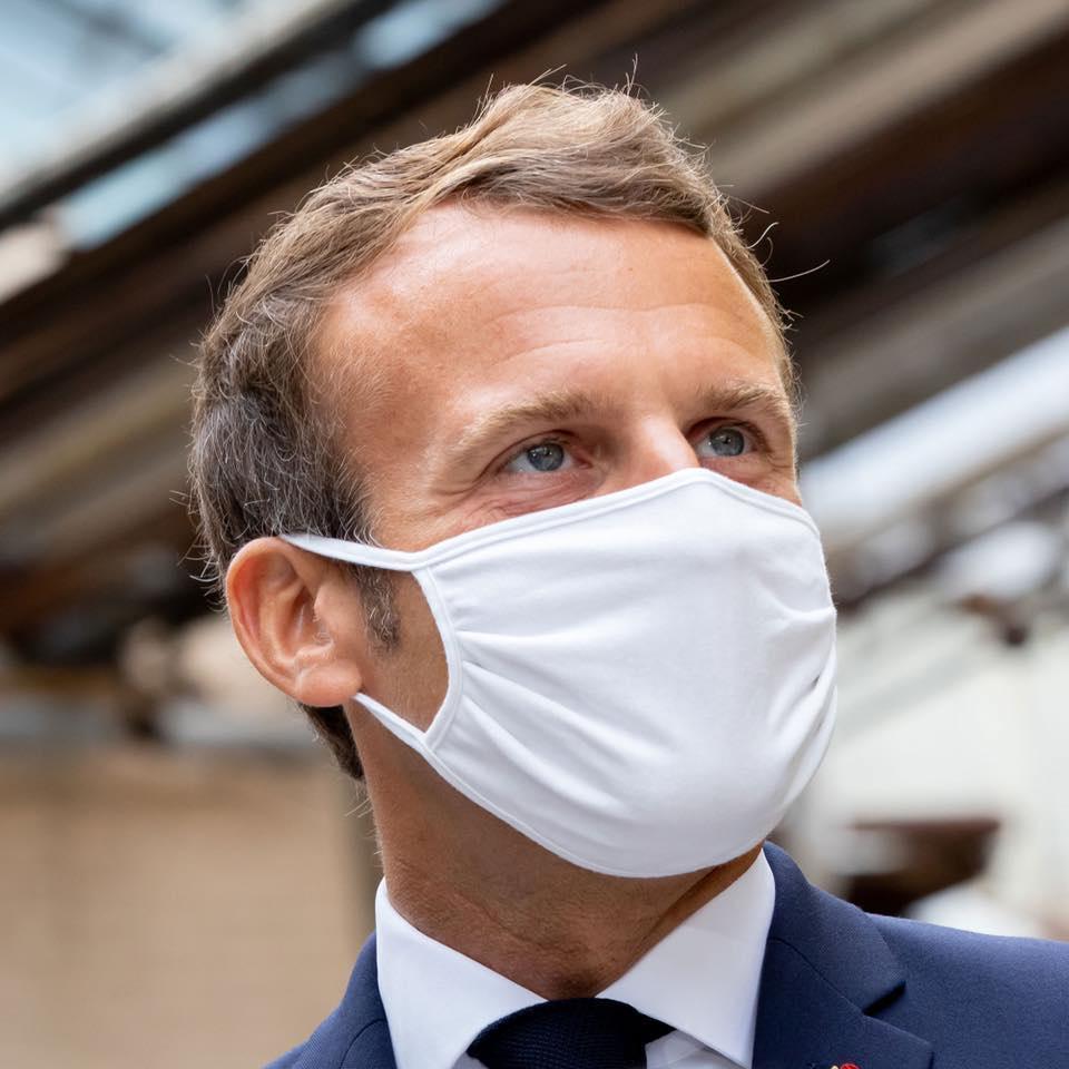 法國總統馬克宏進行全國轉播演說表示,自30日起全國將重啟封鎖,直到12月1日止。(翻攝自Emmanuel Macron臉書)