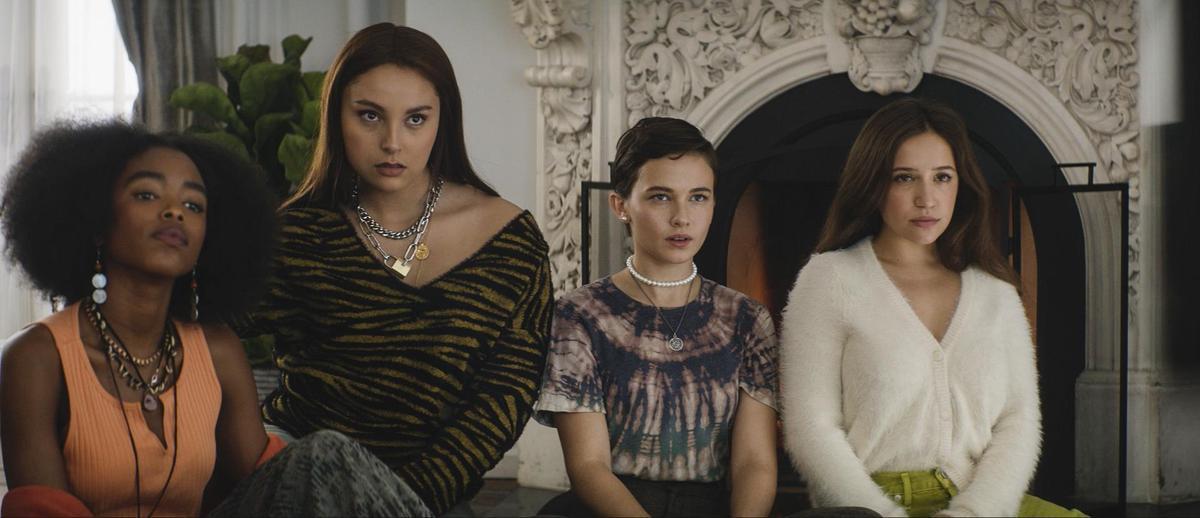 《入魔》4個截然不同的高中女孩,偶然間結合在一起,深信她們能夠找到力量改善一切。(索尼影業提供)