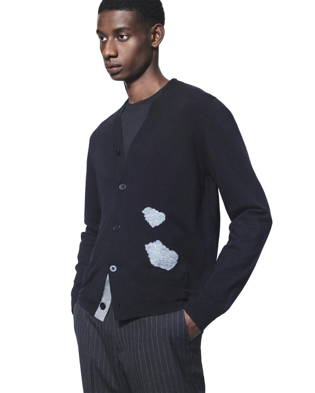 +J美麗諾混紡V領開襟外套。NT$1,490。(台灣優衣庫提供)