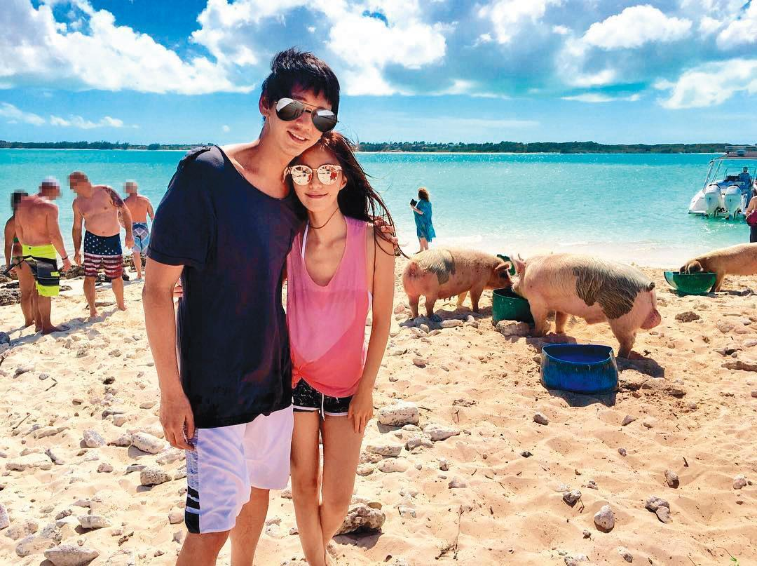與女友WeiWei交往17年,蘇見信將3億元房產過戶給她,超級寵女友。(翻攝自WeiWei IG)