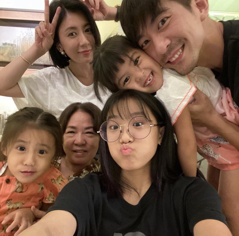 修杰楷與賈靜雯婚後再生了兩個寶貝女兒,但也與梧桐妹感情相當好。(翻攝自梧桐妹IG)