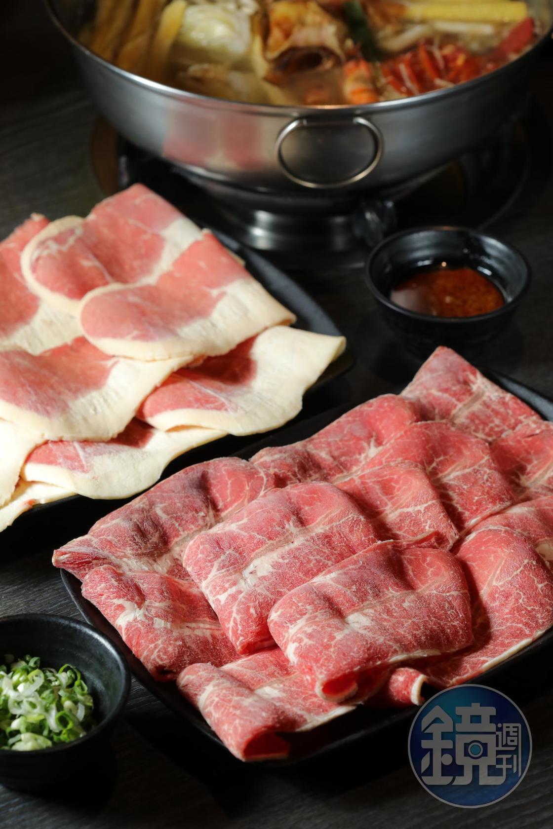 「金門板腱牛」(右,290元/份)肉香飽滿卻無腥騷;來自桃園的「台灣肥牛」(左,260元/份)越嚼越甜。(圖中份量皆為2份)