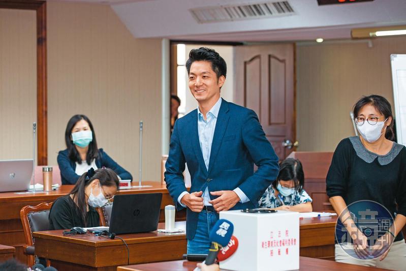 國民黨立委蔣萬安,被看好可望代表藍營出征2022年台北市長選舉。