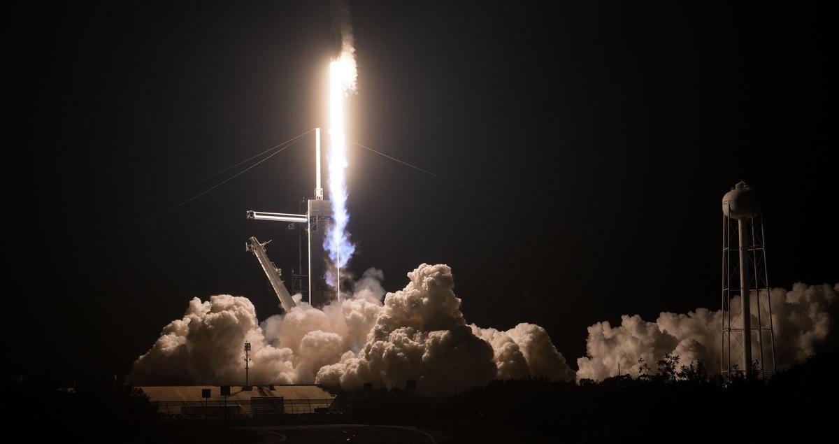 SpaceX的飛龍號太空船,於美東時間15日升空。(翻攝NASA臉書)
