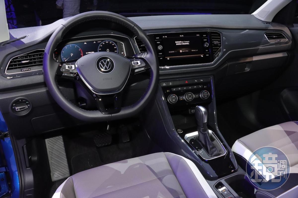 全車系標配IQ.Drive安全系統和近年來福斯汽車的內裝鋪陳。