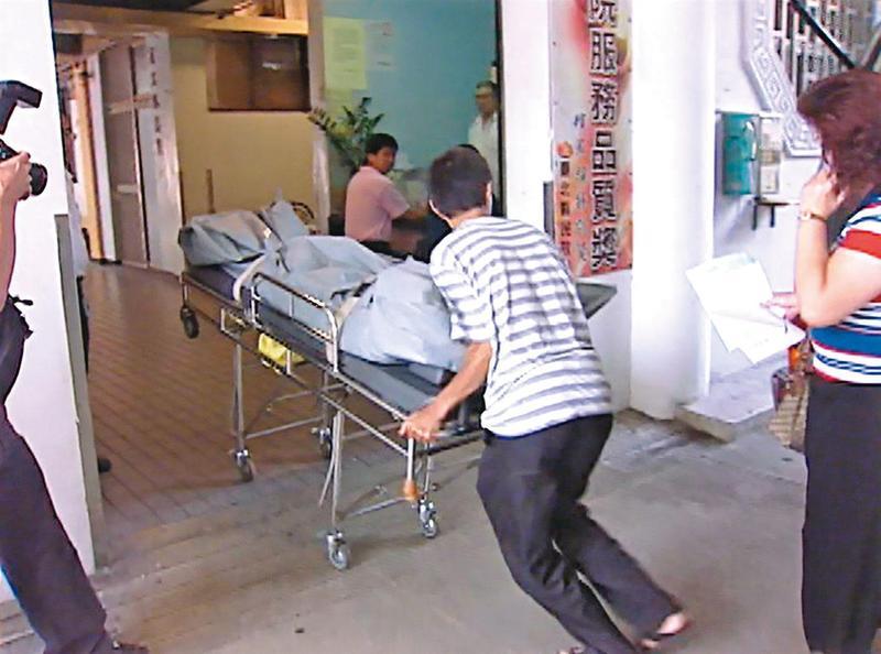 劉女遭開膛剖腹、死狀淒慘,遺體被送至殯儀館相驗。(東森新聞提供)