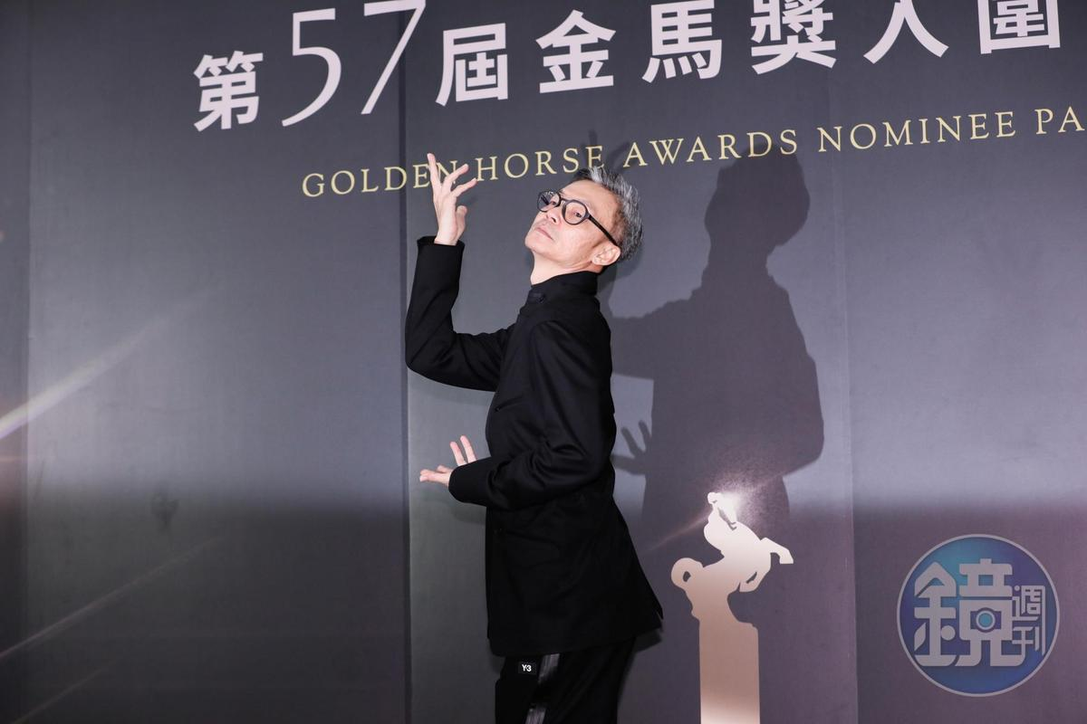 李國煌在《男兒王》演出偽跨性別,拍照姿勢也是變男變女很會演。