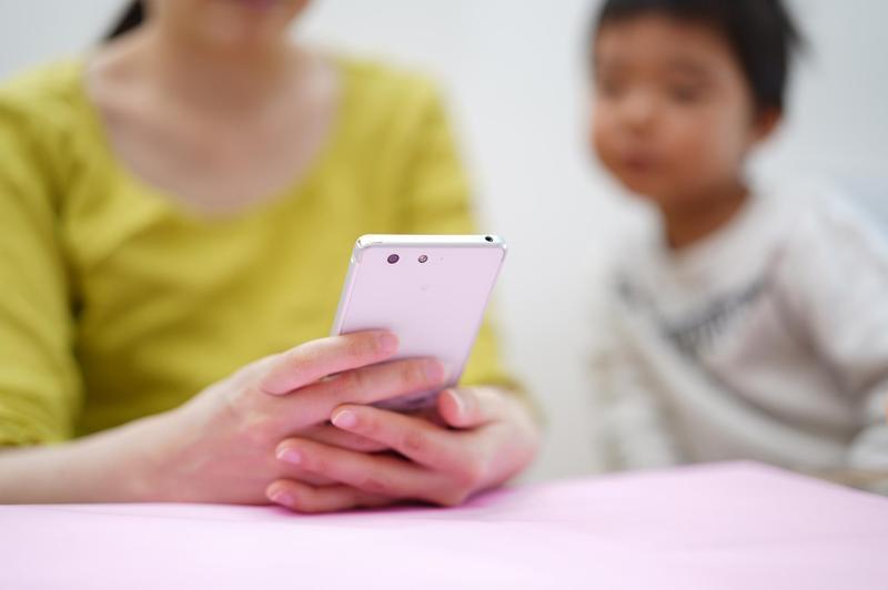 一名人妻沒工作專心在家顧小孩,卻被親媽罵「沒用」「懶惰」。(示意圖,Pexels)