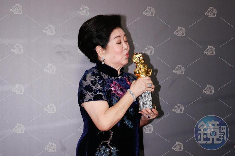 拍戲63年,陳淑芳首度入圍金馬獎,拿下最佳女配角。