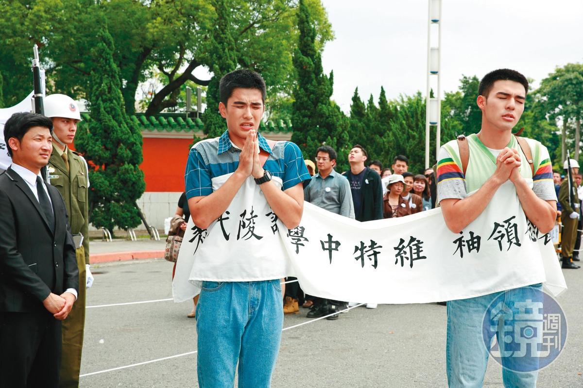 曾敬驊(左)與陳昊森(右)演出電影《刻在你心底的名字》時,因表現自然,導演常讓兩人即興發揮演技。