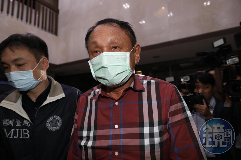 國民黨立委吳怡玎的父親、前立委吳光訓涉康友炒股案,今晨遭北檢依違反證券交易法以300萬元交保。