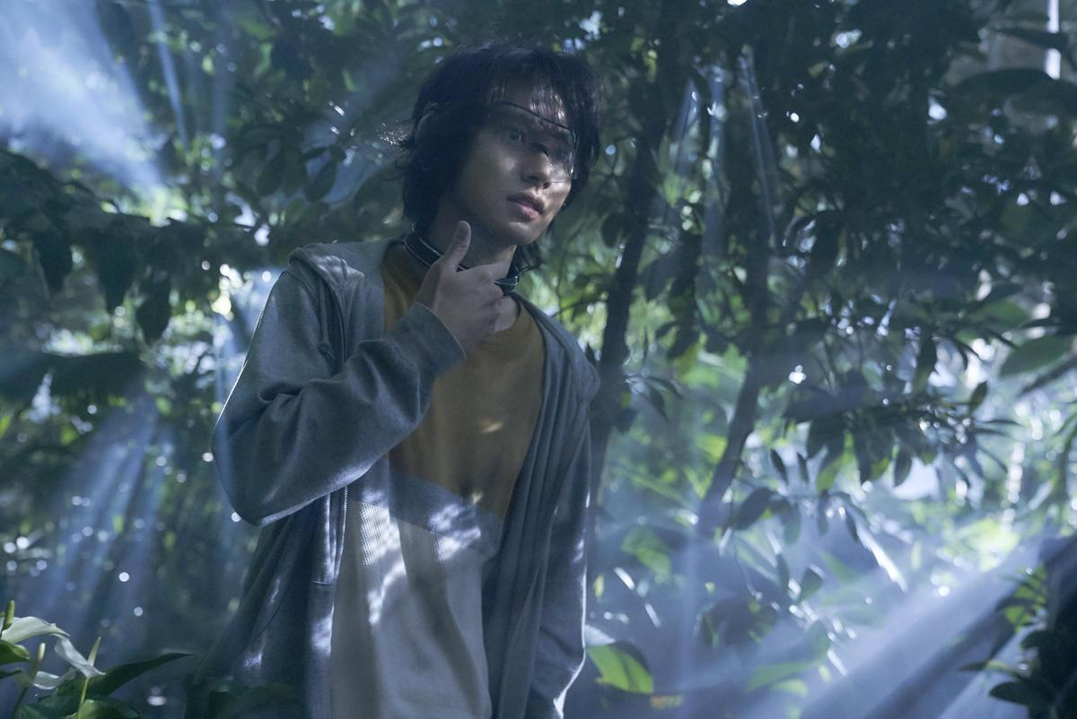 山崎賢人與好友在植物園裡闖關的場景,讓他印象深刻,連土屋太鳳也說被感動到流眼淚。(Netflix提供)