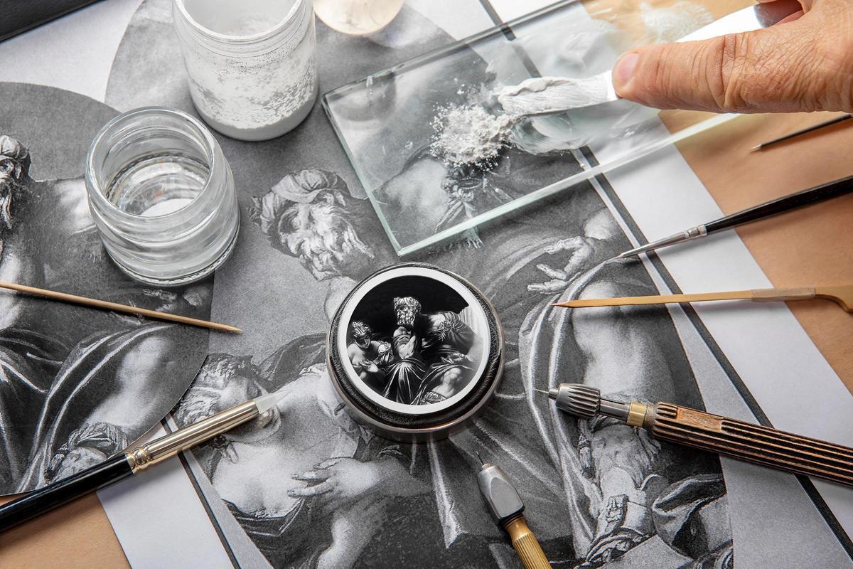 12月1日至12月15日的「以羅浮宮之名 (Bid For the Louvre)」拍賣中,江詩丹頓拍品的得標者,能夠從羅浮宮中挑選一款藝術品,成為腕錶面盤上的圖案。此為成品示意圖。