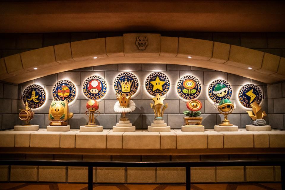 遊戲中的獎盃也具體打造出來,做為場景陳設。(翻攝自日本任天堂官網)