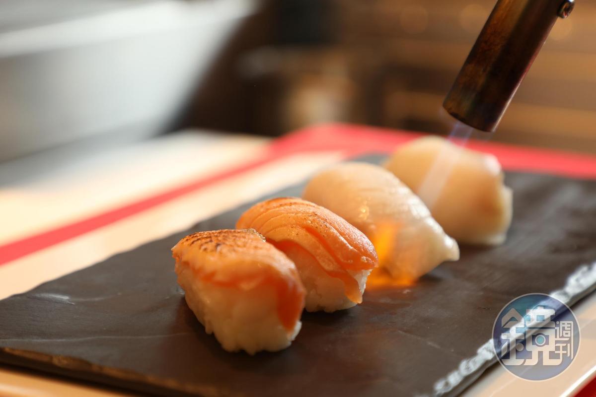 現場炙燒握壽司,香氣四溢。