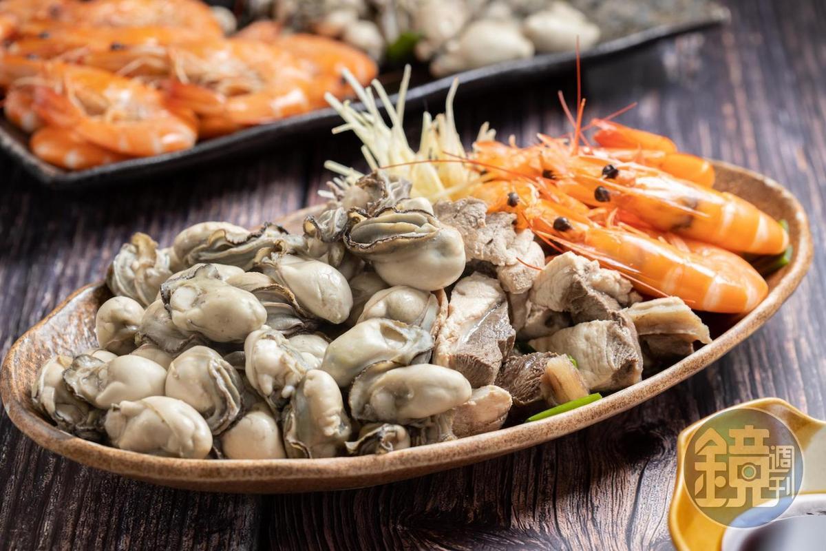 優質海鮮僅以高湯涮煮,蘸醬油就能享受其原始鮮甜。