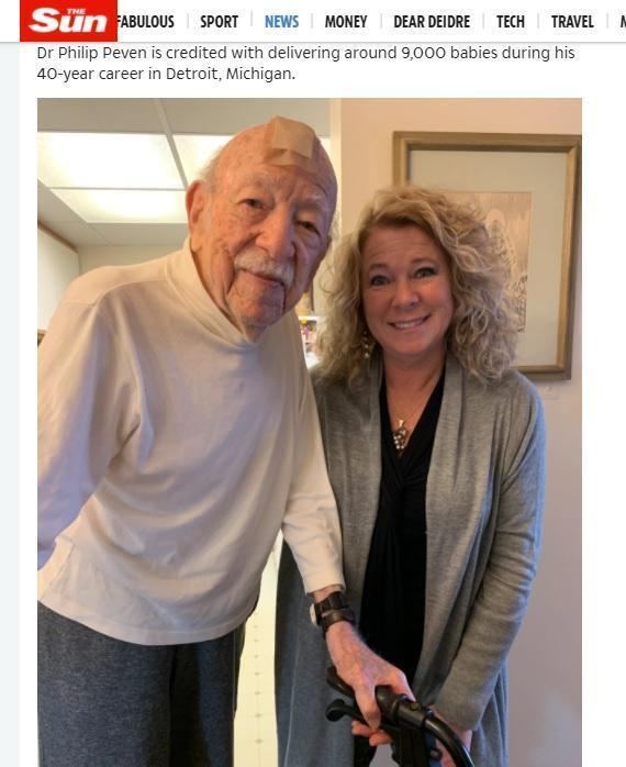 菲利浦醫生(左)和潔美(右)2019年相認。(翻攝《太陽報》)
